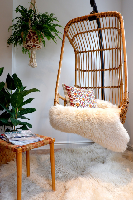 1970s Boho Vintage Wicker Hanging Chair