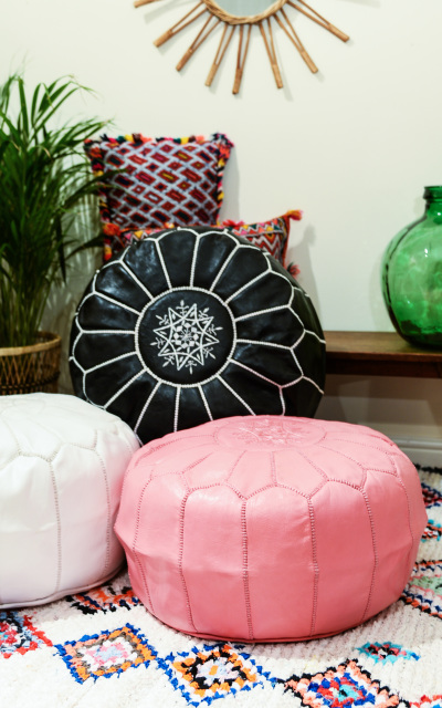 CUSHIONS AND ACCESSORIES